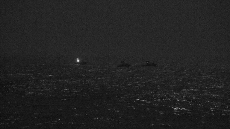US Ship Fires Warning Shots at IRGCN Crafts
