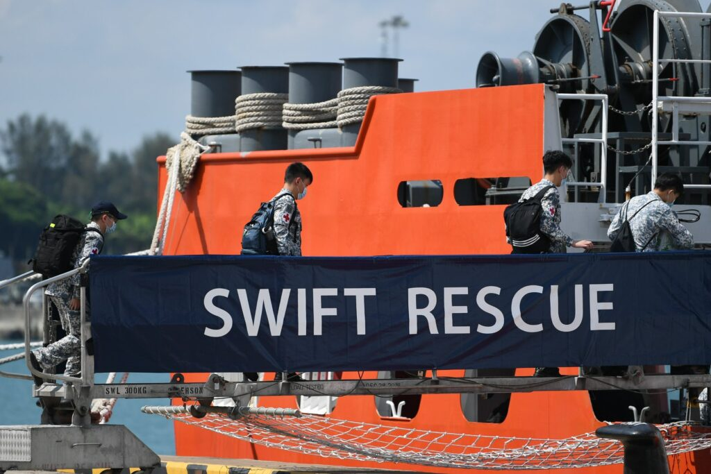 mv swift rescue leaving changi naval base to join the search operations 2 - naval post