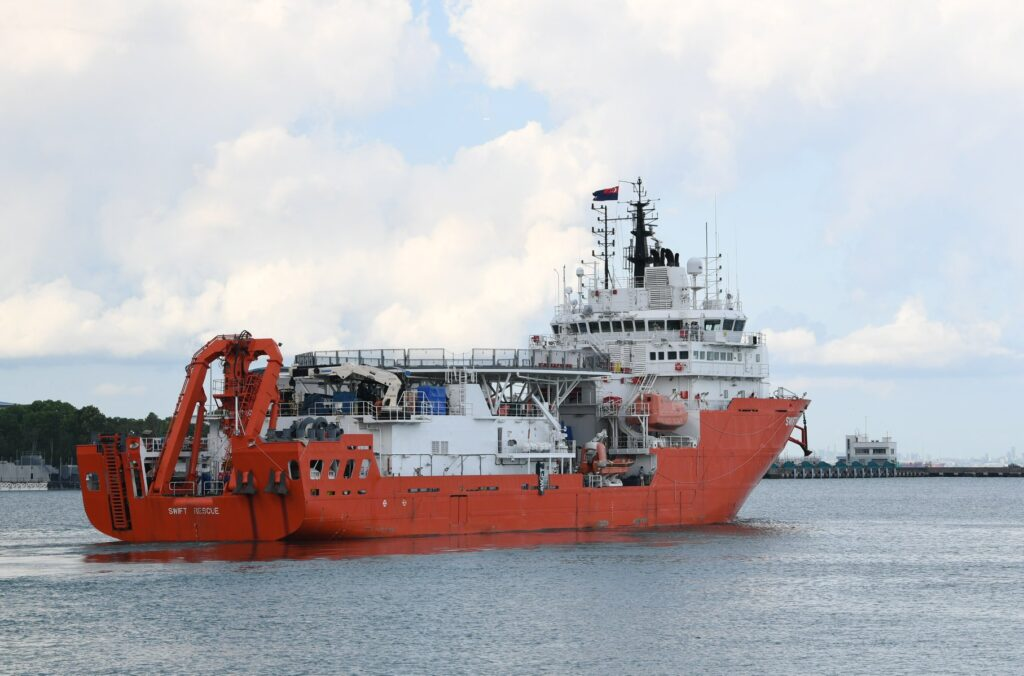 mv swift rescue leaving changi naval base to join the search operations. - naval post