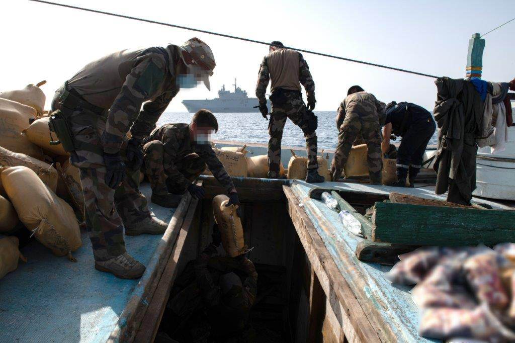 20210322 boarding teams from the fs tonnerre capture of 3000kg of hash on board a dhow in the arabian sea jda4022 - naval post