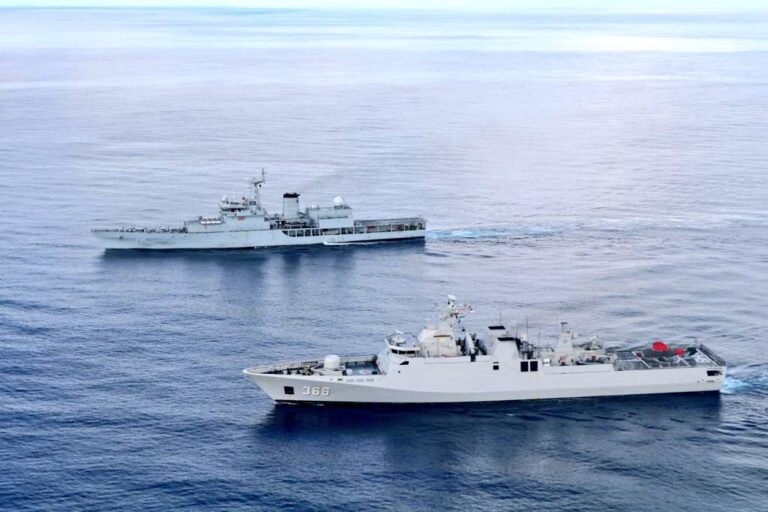 Indonesian Navy Conducts PASSEX with Chinese and Indian Navies