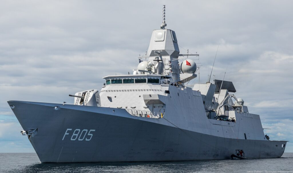 f 805 hnlms evertsen 003 - naval post- naval news and information
