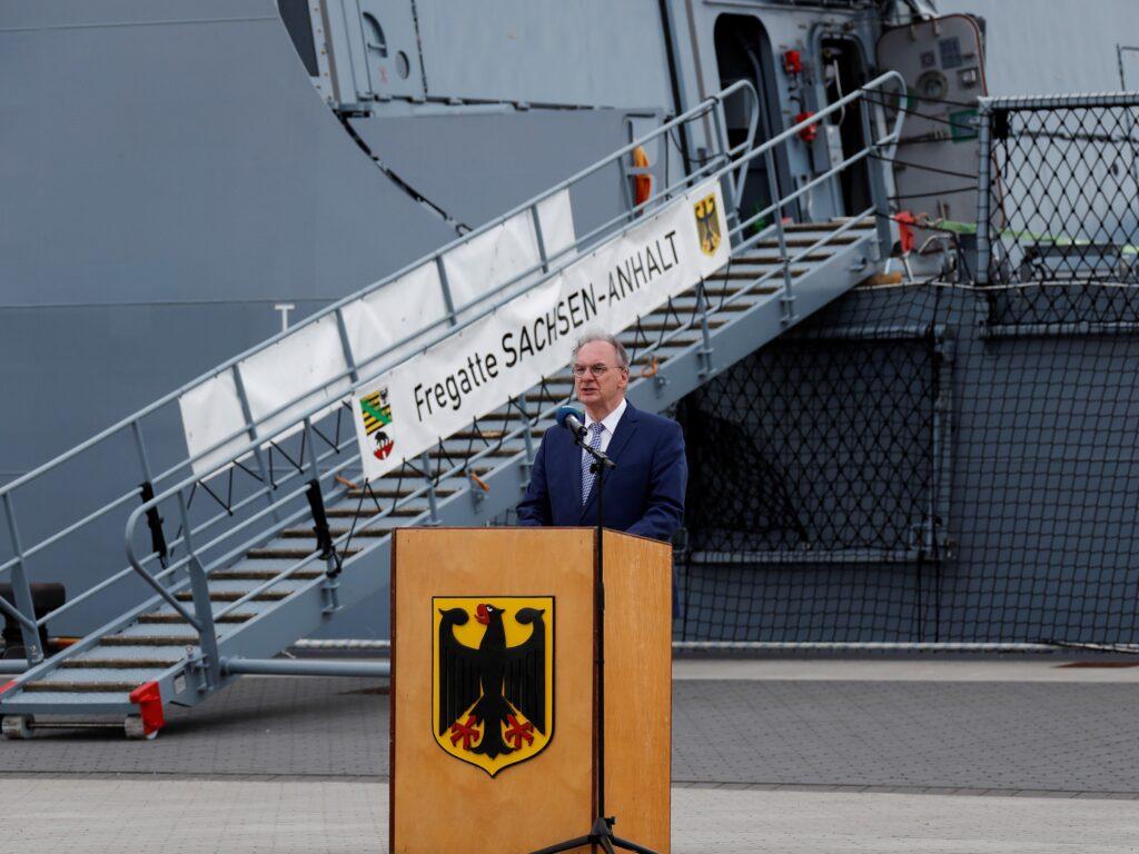 fgs sachsen anhalt 224 2 - naval post- naval news and information