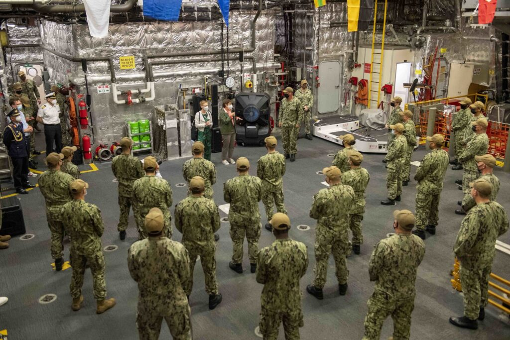 german defense minister visits uss charleston lcs 18 4 - naval post- naval news and information