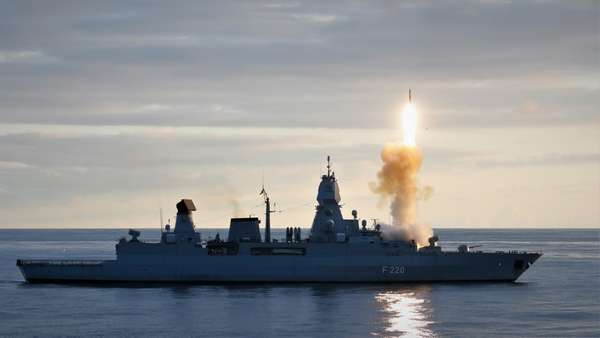 FGS Hamburg Completes Successful Missile Firing Exercise