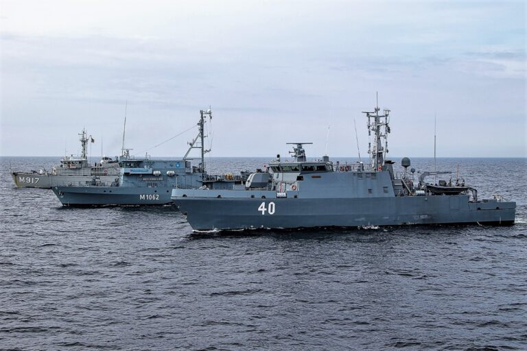 SNMCMG1 conducts exercise with Finnish Navy