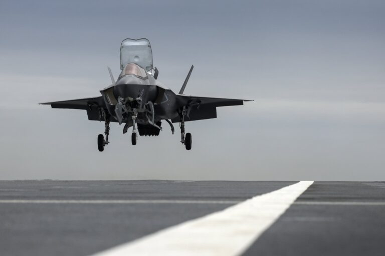 F-35B lands on HMS Prince of Wales for the first time