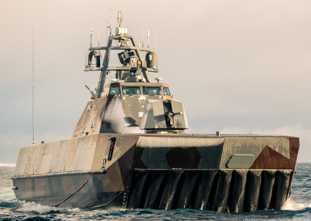 p961 storm 08 - naval post- naval news and information