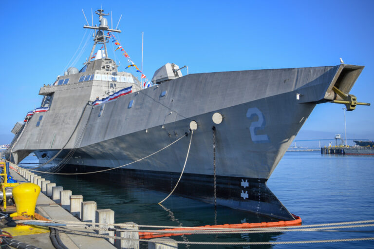US Navy Decommissions USS Independence (LCS 2)  After 11 Years of Service