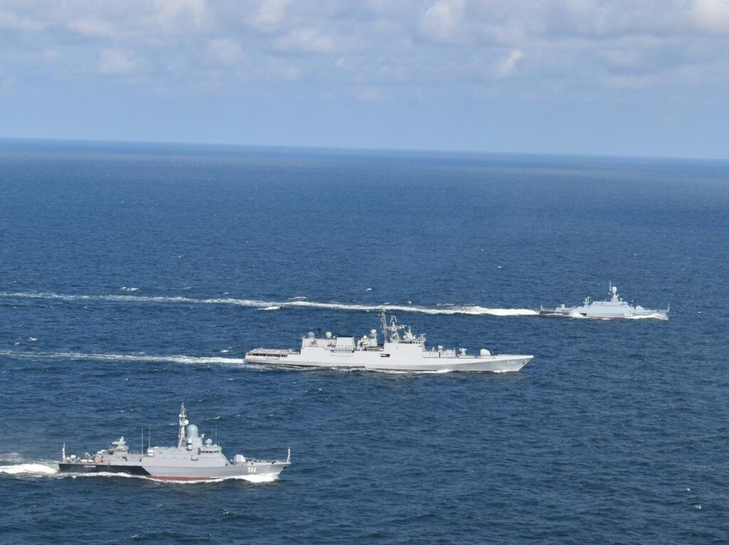 indian navy frigate ins tabar & russian navy corvettes rfs zelyony dol and rfs odintsovo conducted an exercise in the baltic sea, july 28-29, 2021