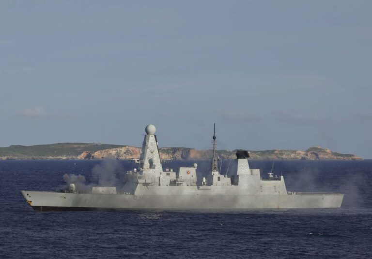 UKCSG-21 Conducts Live Firing Exercise in Pacific