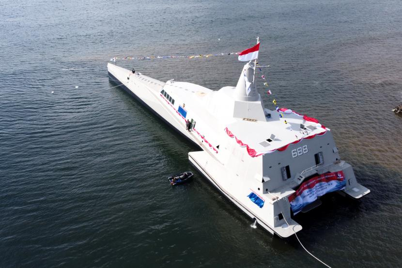 kri golok 688 6 - naval post- naval news and information