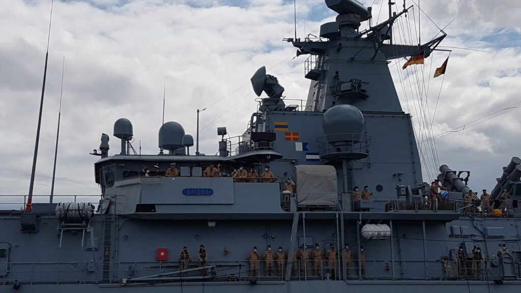 fgs bayern departure2 - naval post- naval news and information