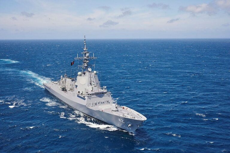 HMAS Sydney returns from weapons system qualifications in the US