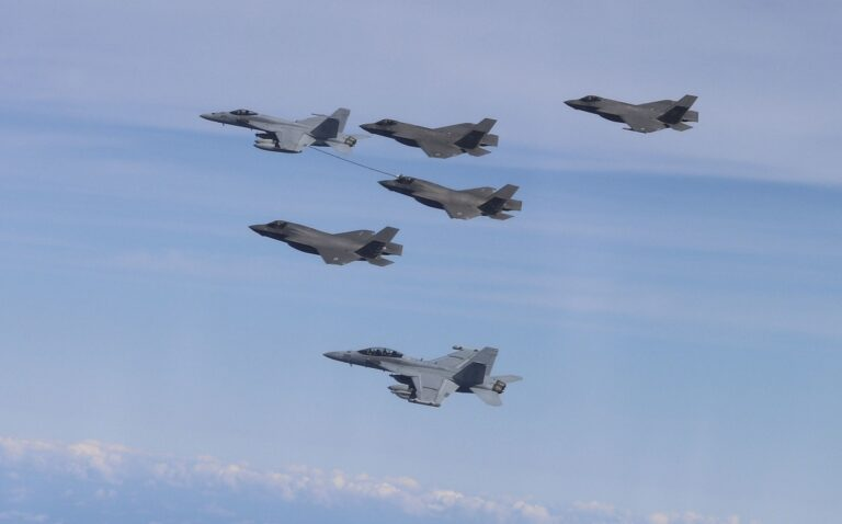 US and UK Carrier Strike Groups Conduct Joint Interoperability Flights