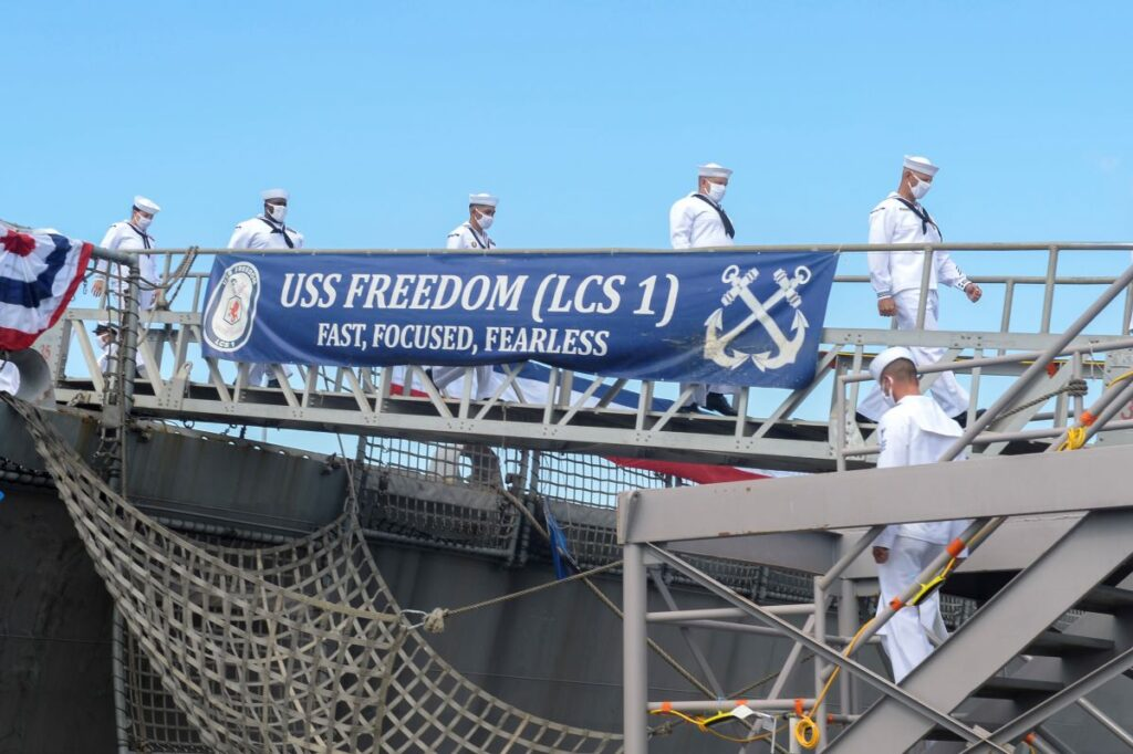 lcs 1 uss freedom decommission 2 - naval post- naval news and information