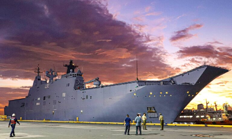 Australian Navy ships arrive in the Philippines for  Indo-Pacific Endeavour 2021 exercise