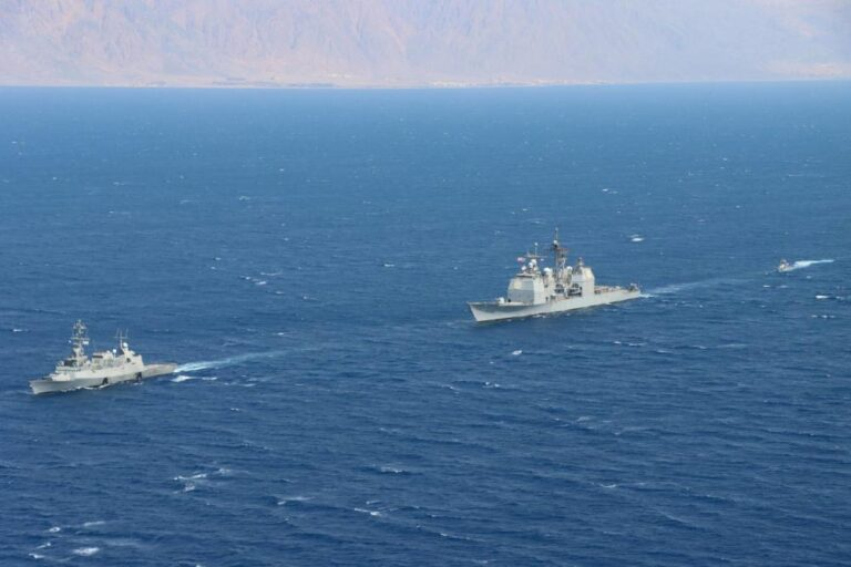 Israeli and U.S. warships conduct patrol in the Red Sea