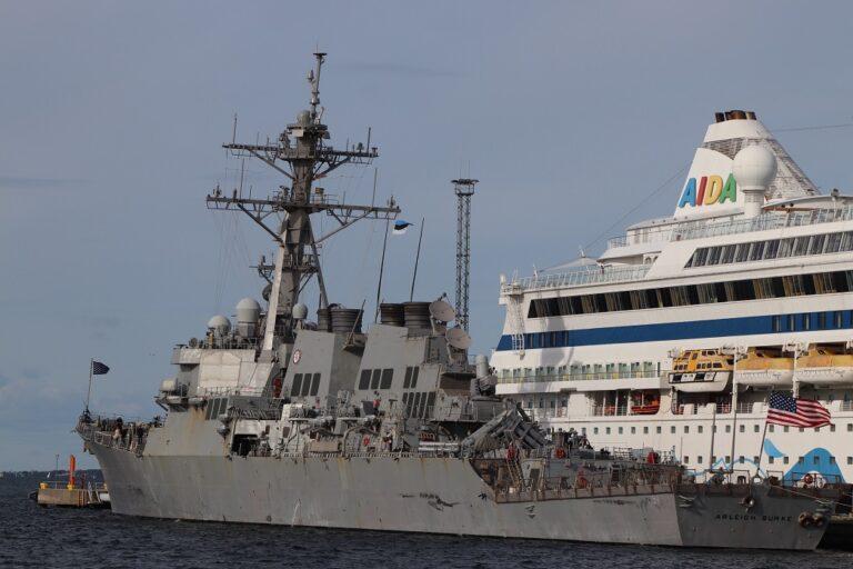 USS Arleigh Burke visits Tallinn