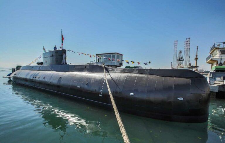 Iran plans to build new submarines